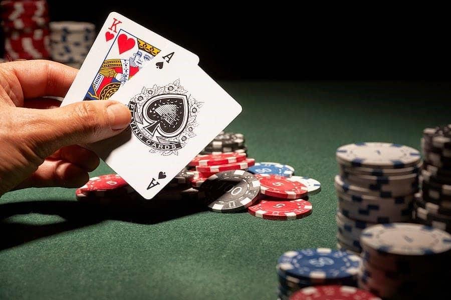 Quy luật chơi game bài Xì dách không thể bỏ qua nếu muốn bách đánh bách thắng