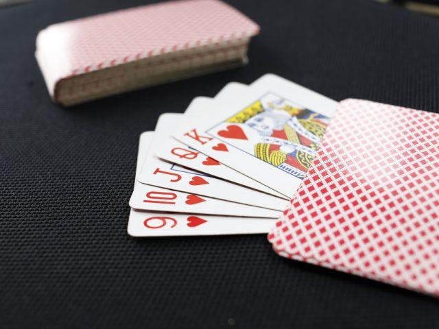 Game bài Phỏm là gì? Xem ngay quy định chơi bài Phỏm siêu hấp dẫn này