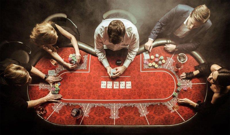 Game bài Poker là gì? Các thể loại và hình thức thi đấu bài Poker ít ai biết đến