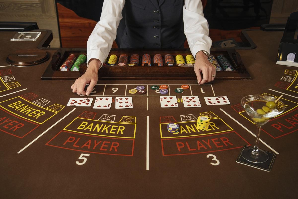 Giới thiệu game bài Baccarat là gì? Tại sao nên chọn chơi bài Baccarat tại casino online