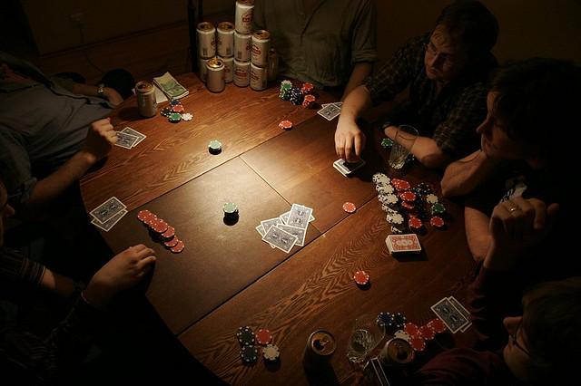 Game bài Xì Tố là gì ? Giới thiệu luật chơi và quy tắc chung khi đánh Xì Tố mà bạn cần biết