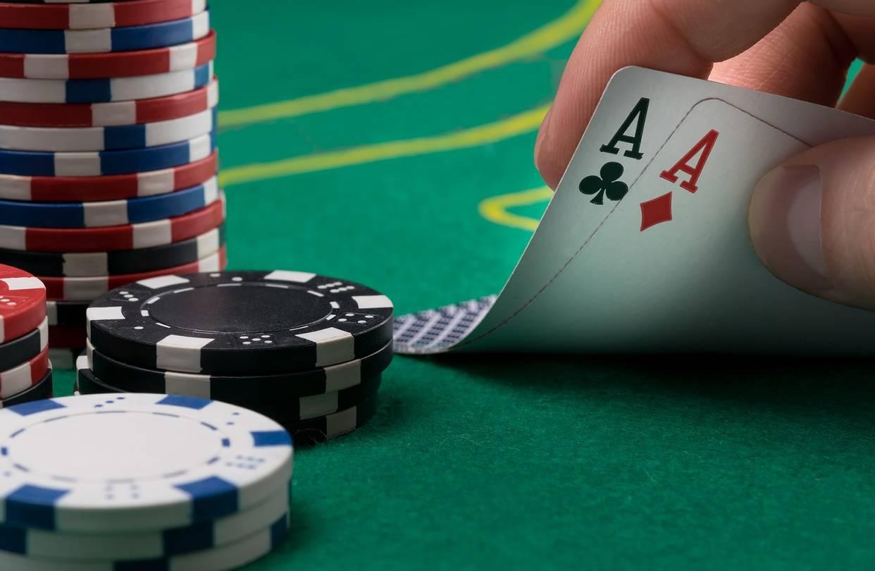 Tìm hiểu ngay lịch sử game bài Poker quá trình phát triển trở thành trò chơi được yêu thích nhất thế giới
