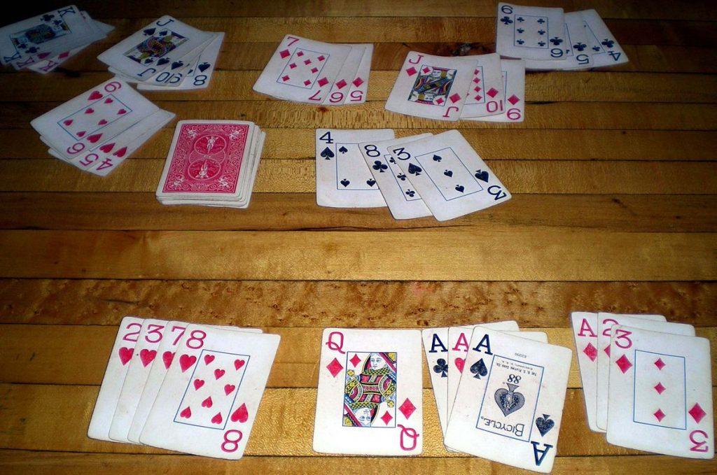 Mẹo câu bài trong game bài Phỏm trăm trận trăm thắng từ các cao thủ chơi bài lâu năm