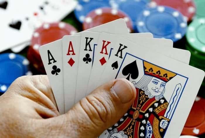 Tổng hợp tất cả thuật ngữ game bài Liêng thường dùng cần phải nắm vững để có thể hiểu rõ nhất