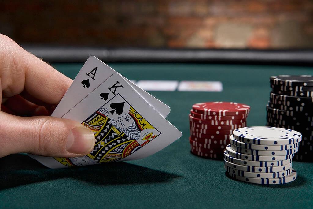 Tổng hợp tất tần tật các thuật ngữ game bài Xì tố từ cơ bản đến vòng cược toàn bộ ván chơi